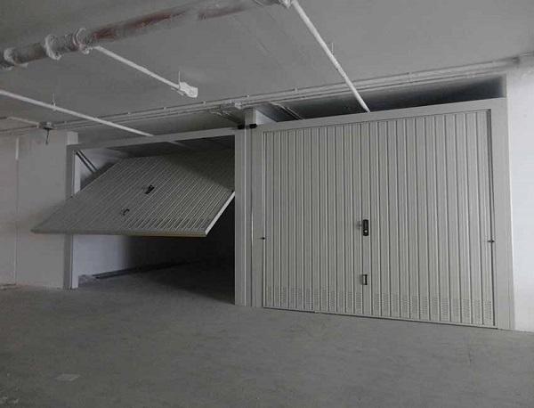 Porte Basculanti Acciaio-1b