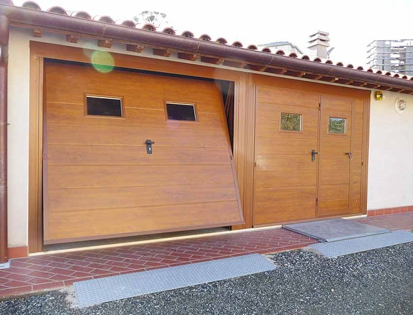 Porte Basculanti Finto Legno-1a